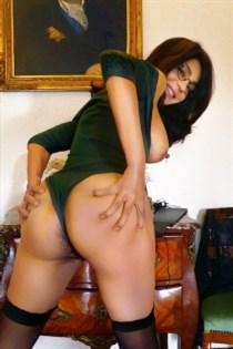 Kadijat, horny girls in Italy - 10655